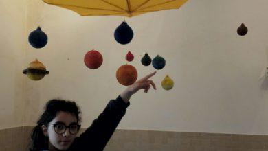Photo of La scuola al tempo del Coronavirus. Sofia realizza il sistema solare con materiali da riciclo