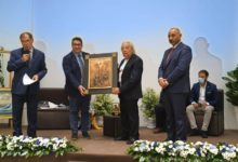 "Photo of AL SINDACO FABIO VENEZIA IL PREMIO ""AMICO DELL'ARTE"""