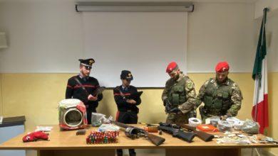 Photo of Villarosa e Leonforte. Perquisizioni dei Carabinieri. Tre arresti per armi e droga